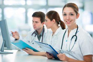 Ein Medizinstudium im Ausland: Ist Tschechischen Republik eine gute Idee?